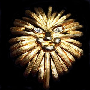 HUGE GOLDTONE LION/CAT FACE PIN WITH CRYSTAL EYES